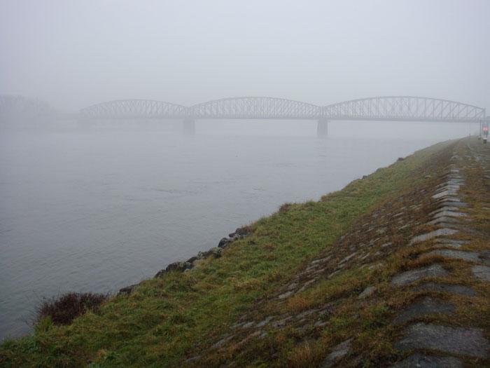 Vielleicht Eisenbahnbrücke