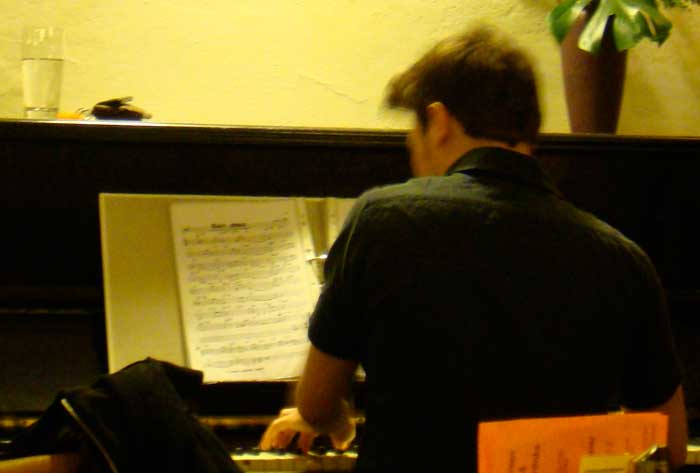 Neuer Pianist im Meier